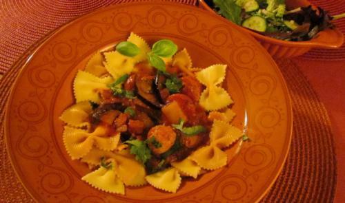 Pates Courtes Aux Saucisses Italiennes Et Aux Legumes Grilles De